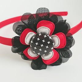 Diadeem rood, zwarte bloem